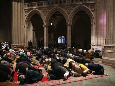 national-cathedral-muslim-prayer-to idol
